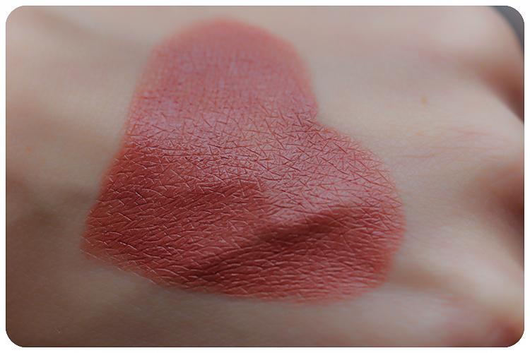 dr hauschka comeback LE lipstick novum 08 maple glow swatch