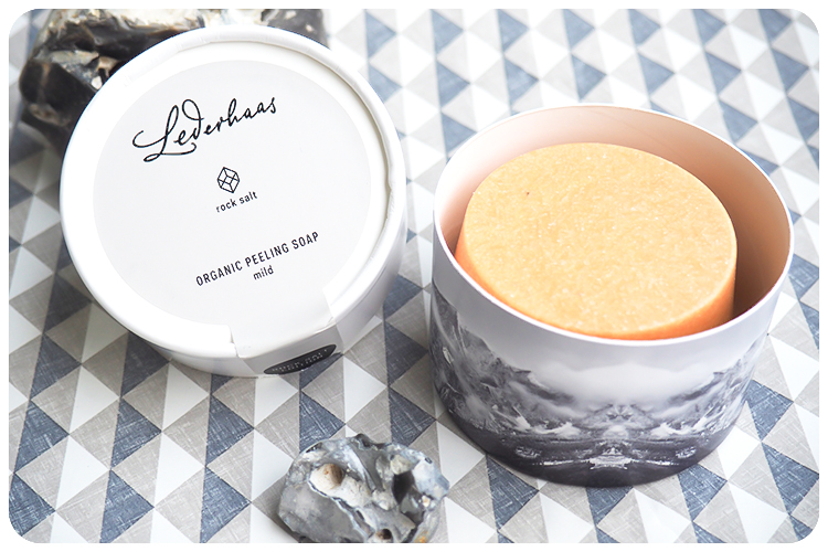 lederhaas organic peeling soap mild rock salt edition