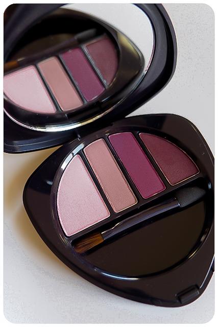 dr hauschka purple light eyeshadow palette 3-2