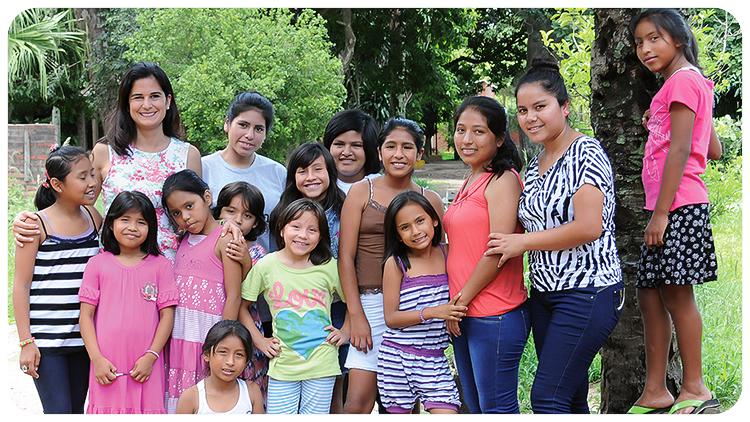 Girlpower - Schareska und die Mädchen aus dem Heim in Santa Cruz. Foto: amo como soy